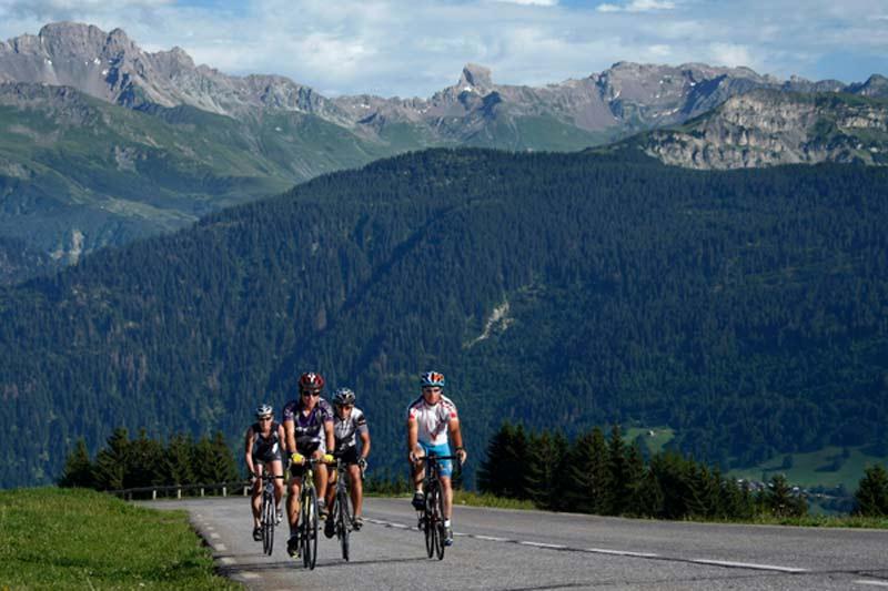 Les routes du Beaufortain et de la Savoie en cyclotourisme
