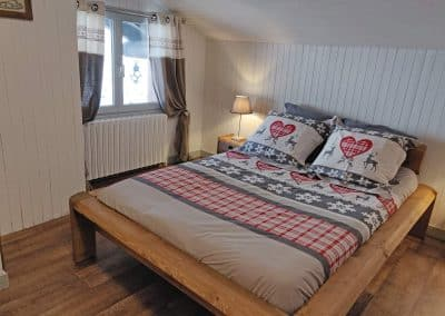 Le lit de la grande chambre