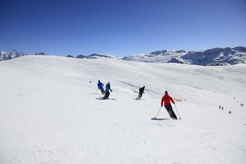 Descente à ski domaine skiable Hauteluce